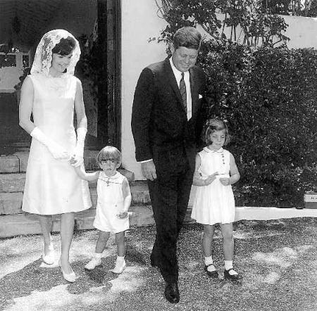 Historias famosas de amor john kennedy y jackie bouvier for John kennedy jr kids